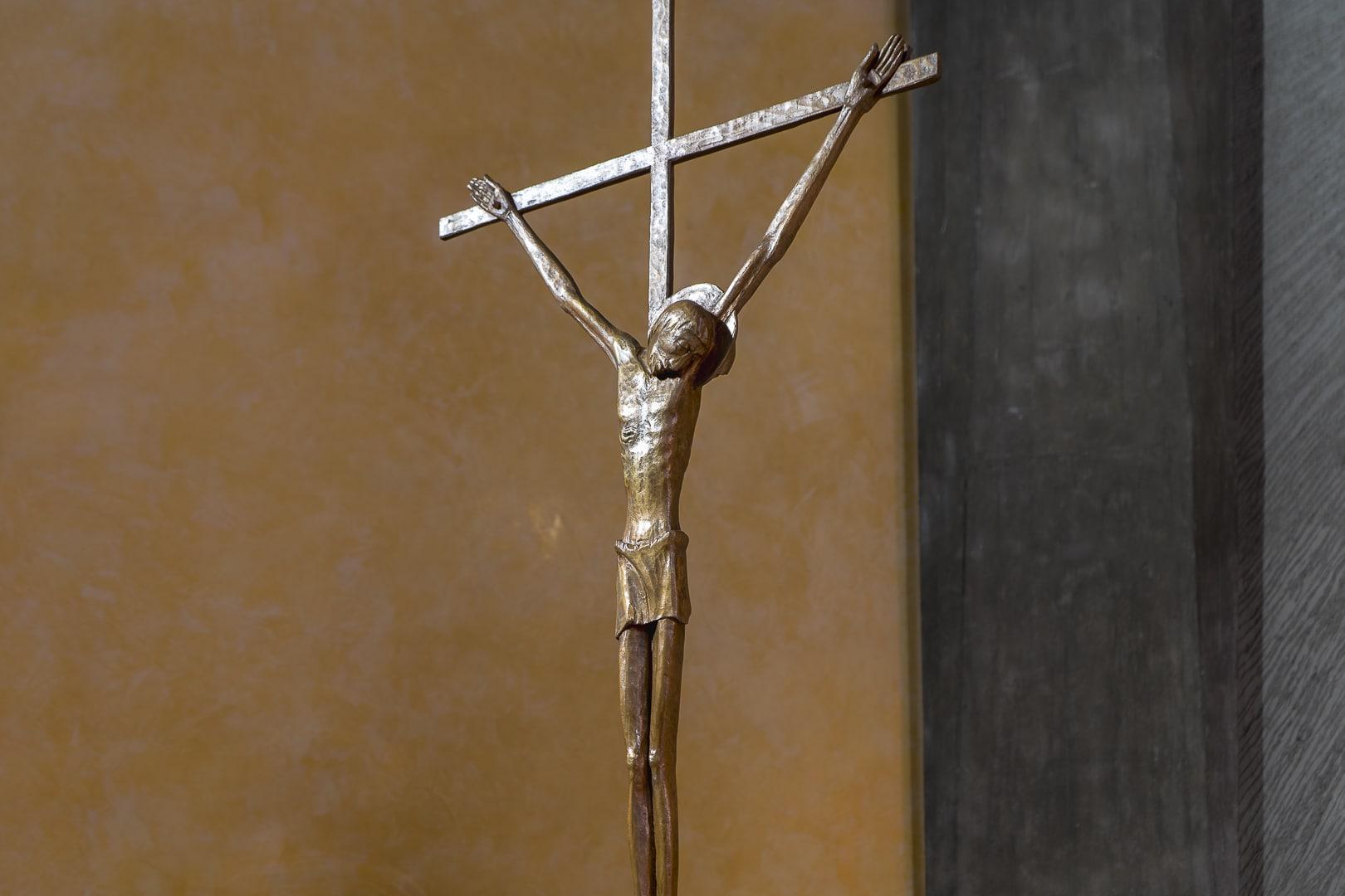 Crocifisso Chiesa Mater Divinae Gratiae Brescia