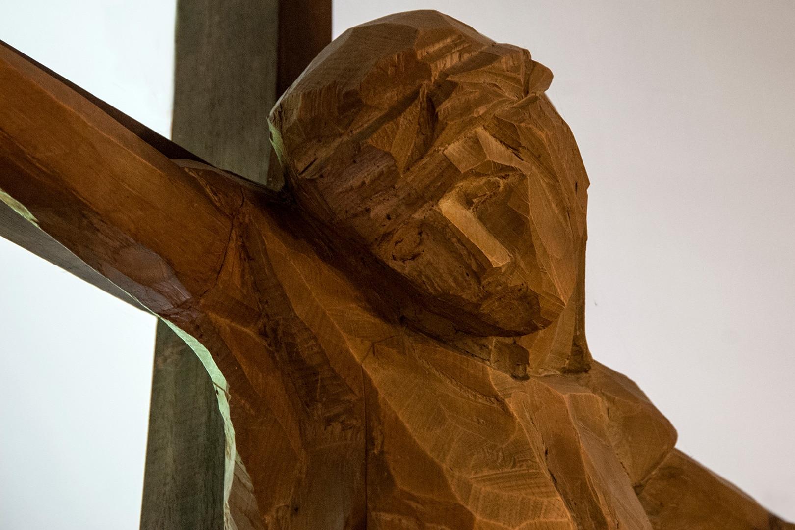 Particolare Crocifisso Cappella Mater Divinae Gratiae Brescia